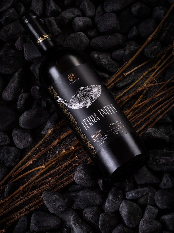 Рекламная фотосъемка Вина в бутылке для печатной обложки журнала и наружной рекламы компания Wine Dicovery Selection | Фуд фотограф Киев Антонина Казак